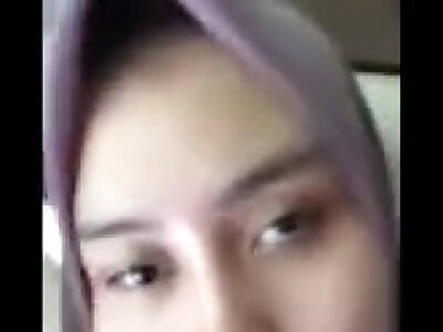 asian muslim schhol girl showing will not hear of pussy away from cam