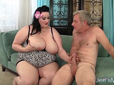 Plumper Eliza Allure gets her pussy pounded by a broad in the beam bushwa